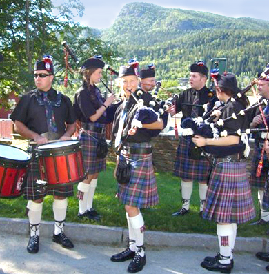 Bergen-Pipes-and-Drums-1e